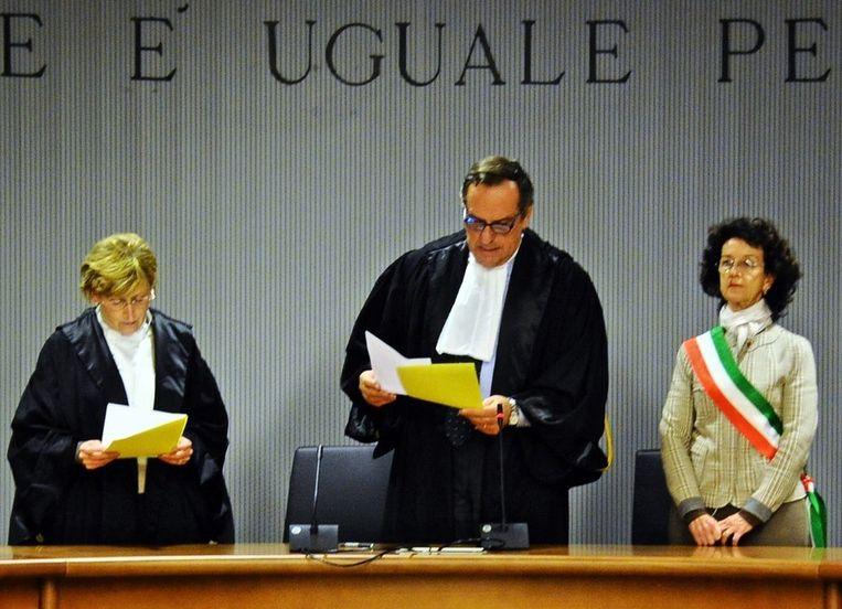 Alessandro Nencini las donderdag het verdict voor in Firenze. Beeld epa