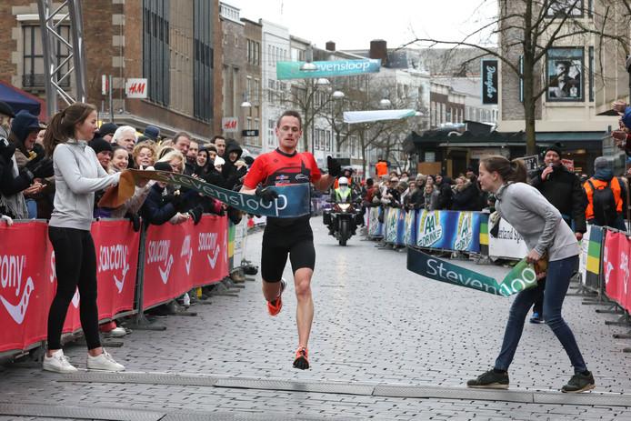 Jesper van der Wielen wint de Stevensloop in 2018.