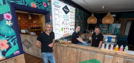Vader en zoon putten in Oisterwijk kracht uit friet en pokébowl