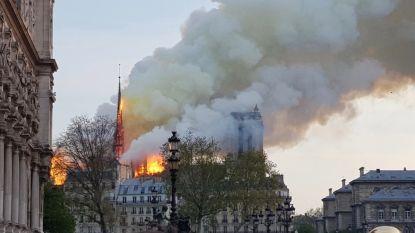 """""""Ik besefte meteen dat dit iets historisch was"""": Mechelaar (33) was één jaar geleden getuige van verwoestende brand in Notre-Dame"""