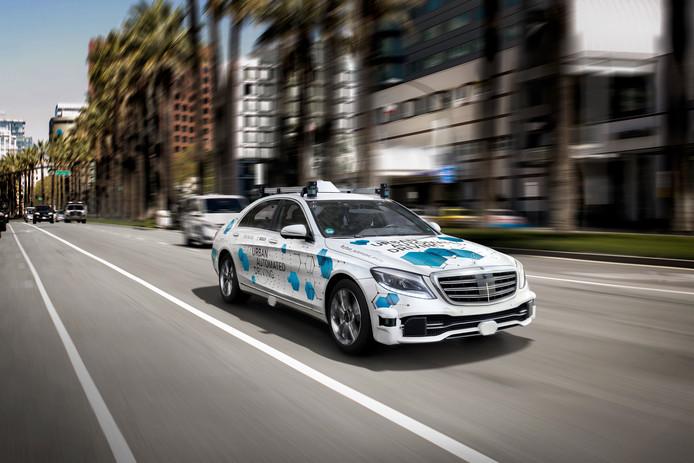 De autonome Mercedes S-Klasse zoals die in het proefproject in San José gaat rijden