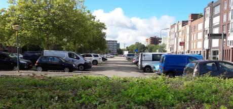 Haal je auto bijtijds weg van parkeerterrein Coornhertpad
