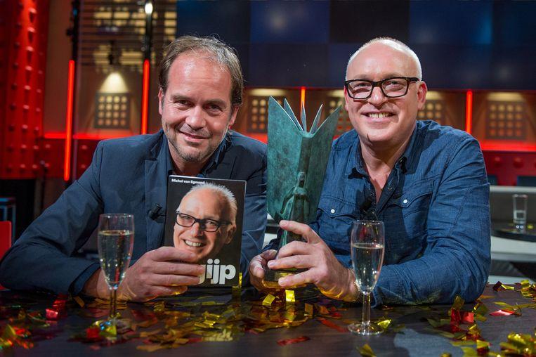 Michel van Egmond en René van der Gijp tijdens de bekendmaking van de NS Publieksprijs 2013. Beeld ANP