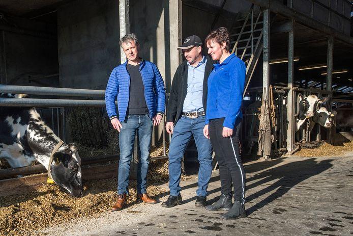 Melkveeboeren René Vermunt en Erik en Lisette van Oosterhout schrijven vanaf volgende week om beurten de column 'Boerenpraat'.