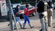 Autoriteiten VS arresteren 680 illegale arbeiders in grootschalige actie in Mississippi