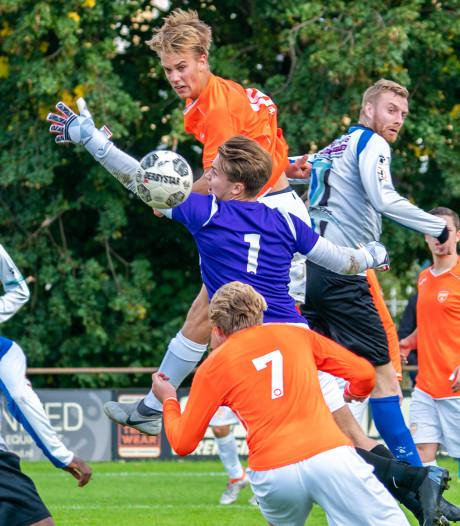DVOV is blij met Jonne Olijslager: doelman met een opvallend paars shirt en liefde voor Rot-Weiss Essen