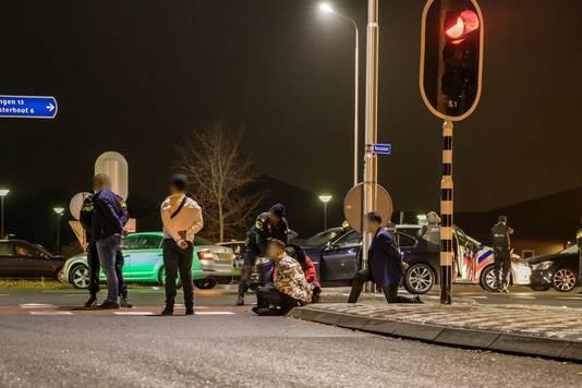 Meerdere personen aangehouden in Rijen na mogelijk schietincident.