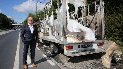 Campagnewagen Ben Weyts in brand gestoken