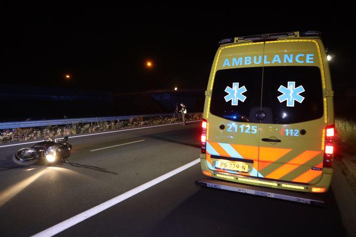 Van een motorrijder die woensdagnacht ten val is gekomen op de A50 bij Veghel ontbreekt ieder spoor.