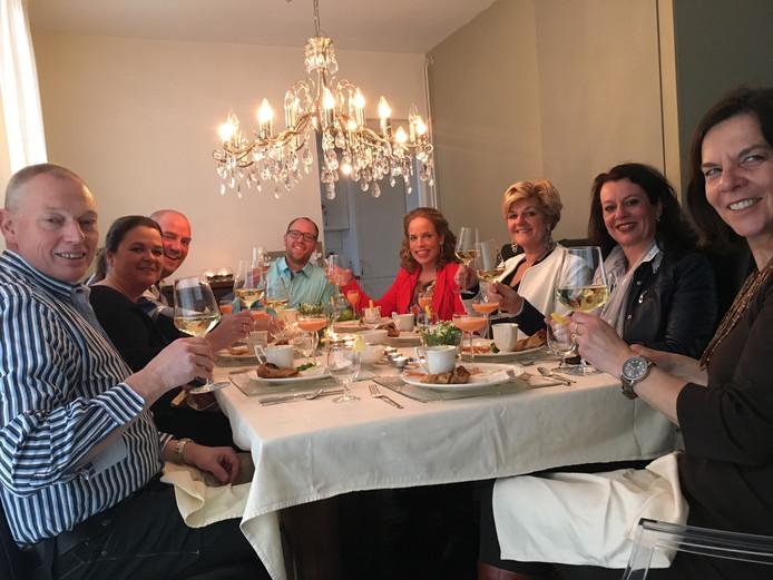 Berkel-Enschot aan de Kook: een voor-, hoofd- en nagerecht op 3 verschillende plekken met steeds wisselende, onbekende tafelgenoten.