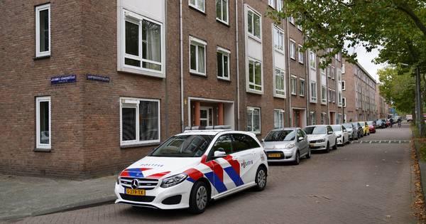 Man in zijn woning in Den Bosch overvallen door twee vrouwen.