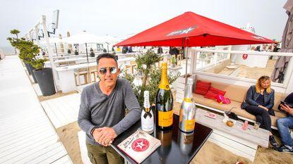 """De man achter de meest luxueuze strandbar van de Belgische kust: """"Klasse is het codewoord"""""""