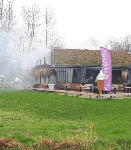 Brand in Beneden-Leeuwen: voorlopig geen friet bij snackbar 't Bakhuus