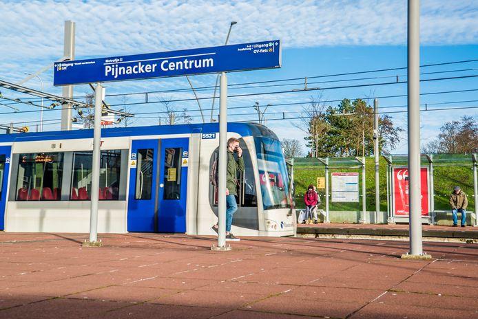 Met Randstadrail ben je vanuit Pijnacker binnen enkele minuten in coronabrandhaard Lansingerland.