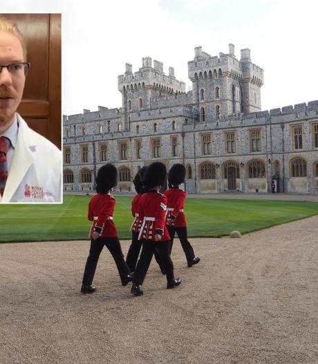 Fjodor vertroetelt de 400 klokken van de Queen (en dit is waarom die in de keuken voorlopen)