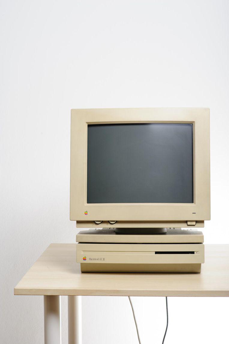 Macintosh LC II van begin jaren negentig Beeld .