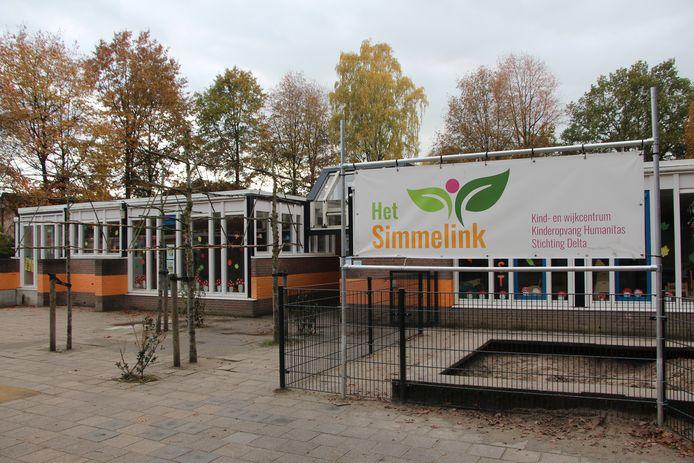Het huidige IKC Het Simmelink in het gebouw van de vroegere RK basisschool De Schakel.