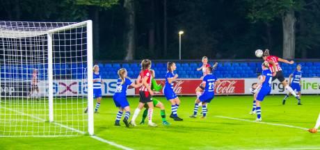 PSV-middenveldster Julie Biesmans: 'In de tweede helft toonden we wat we willen tonen'
