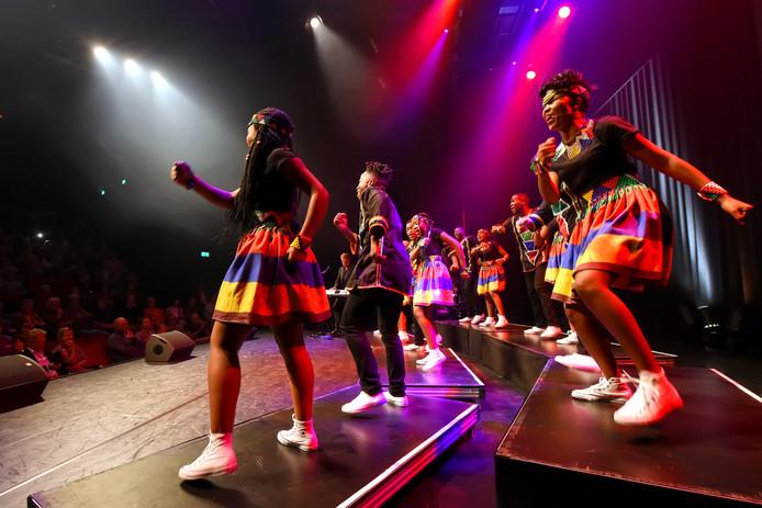 OOSTERHOUT - Pix4Profs/Casper van Aggelen - Ndlovu Youth Choir in een uitverkocht theater De Bussel