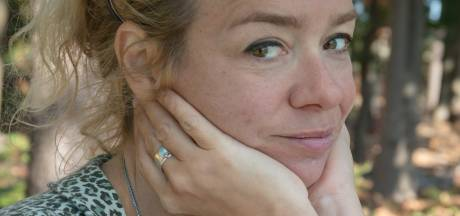 Grote Poëzieprijs voor gedichten met troost van Vrouwkje Tuinman
