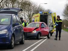 Twee gewonden bij kop-staartbotsing in Genemuiden