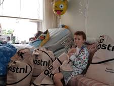 Brent (9) krijgt honderden kaartjes voor zijn laatste verjaardag