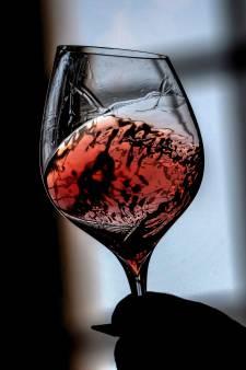 Des millions de litres de vin français reconvertis en gel hydroalcoolique