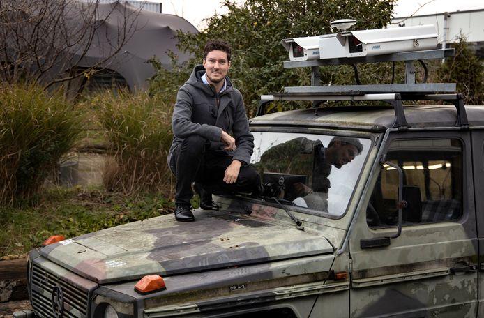 Dennis van de Wouw promoveert woensdag op de TU/e met het slimme camerasysteem dat bermbommen kan detecteren.
