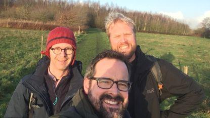 """Schoonbroers stappen Belgische kustlijn af voor ALS-patiënt Wannes: """"Iedereen kan meestappen en zo de strijd die Wannes levert tegen ALS financieel steunen"""""""