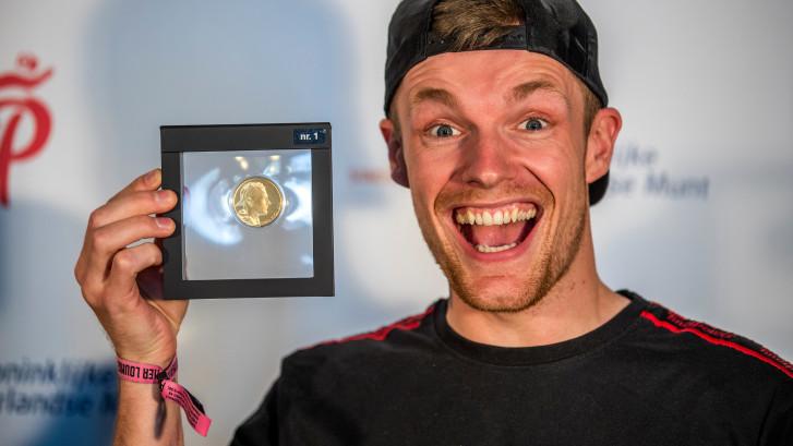 Enzo krijgt eigen munt in De Munt: 'Dat is echt fucking bizar'