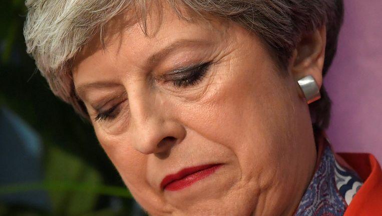 Theresa May vrijdagochtend nadat een groot deel van de stemmen is geteld. Beeld reuters