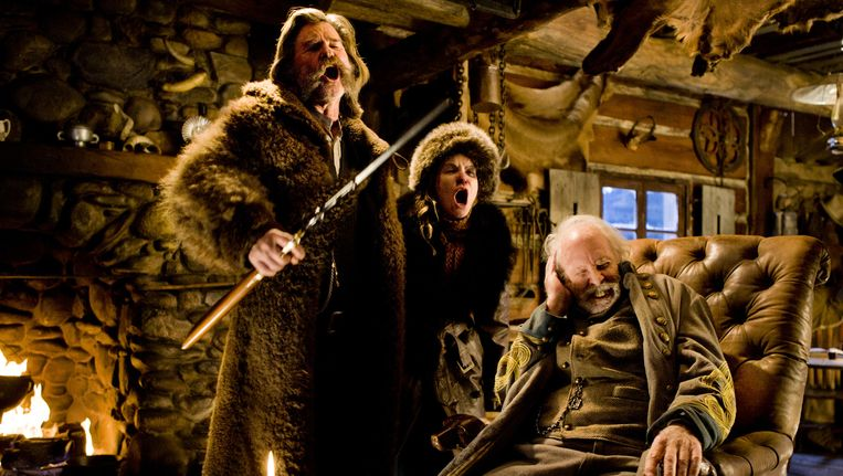 Kurt Russell (l), Jennifer Jason Leigh (m) en Bruce Dern in The Hateful Eight. Beeld The Weinstein Company