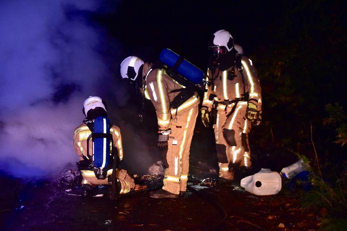De brandweer had het aangestoken vuur snel onder controle.