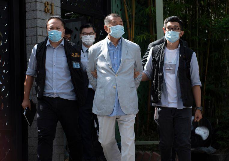 Jimmy Lai werd maandag gearresteerd vanwege 'samenspannen met buitenlandse mogendheden'.  Beeld EPA