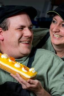 Esther en Marco stoppen Chinese kruiden in hun taartje
