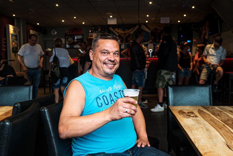 Marc Van den Bossche van 't Sloeberke is tevreden: hij krijgt veel festivalgangers over de vloer.