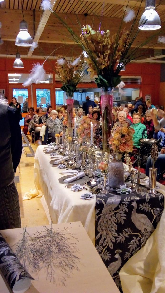 Gedecoreerde feesttafel, demonstratiemodel Jack van Schaik