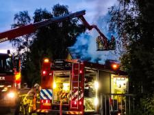 Twee bewoners voor controle naar ziekenhuis bij uitslaande woningbrand Vaassen