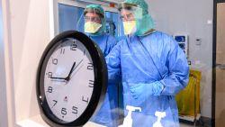LIVE. 132 nieuwe overlijdens en 1.422 besmettingen - 7 miljoen nieuwe mondmaskers aangekomen in ons land - Opnieuw meer dan 900 doden in Spanje