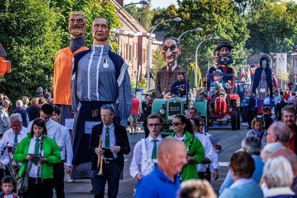 Een beeld van de tweede reuzenstoet in Bissegem in 2018.