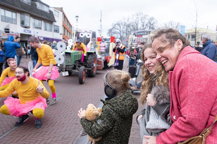 Weer of geen weer: in Soest vierden ze gewoon carnaval.
