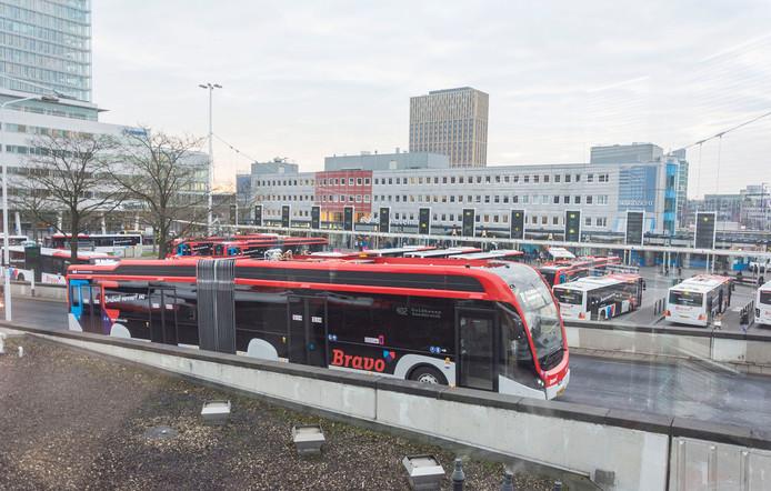 Busstation Neckerspoel in Eindhoven.