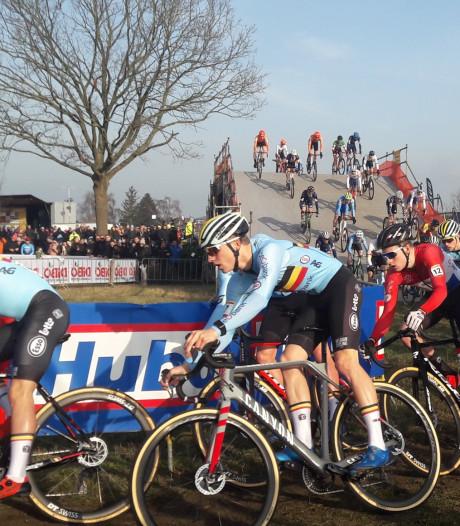 LIVE   GP Adrie van der Poel begonnen met beloftenrace
