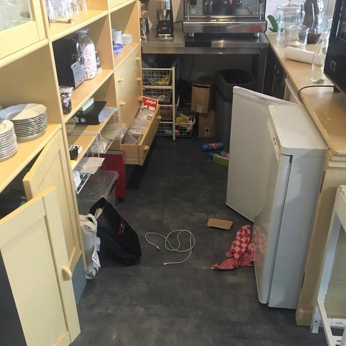 De boel is overhoop gehaald in de Bakplaats, de taartenwinkel van Marjolein van Till uit Ameide.