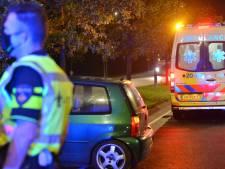Auto botst tegen boom in Breda, bestuurder blijft ongedeerd