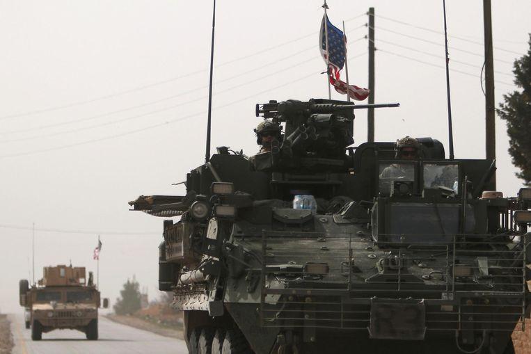 Amerikaanse troepen vlak bij de Syrische stad Manbij.