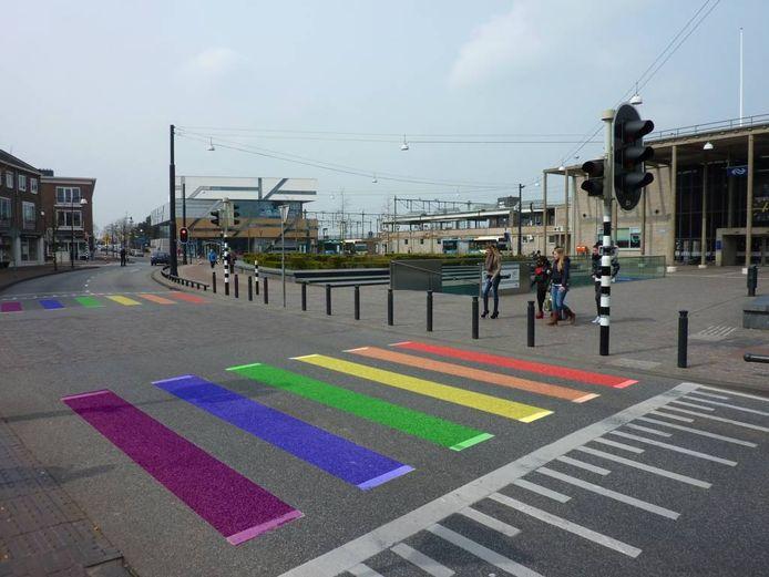 Zo zou het regenboogzebrapad eruit kunnen zien. fotobewerking Judah Bolink