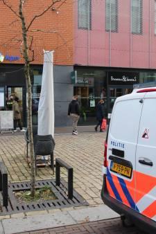 Jongens met grote boodschappentassen overvallen KPN-winkel in Lelystad