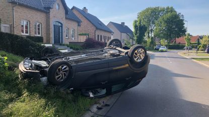 Bestuurder uit auto bevrijd na zware crash