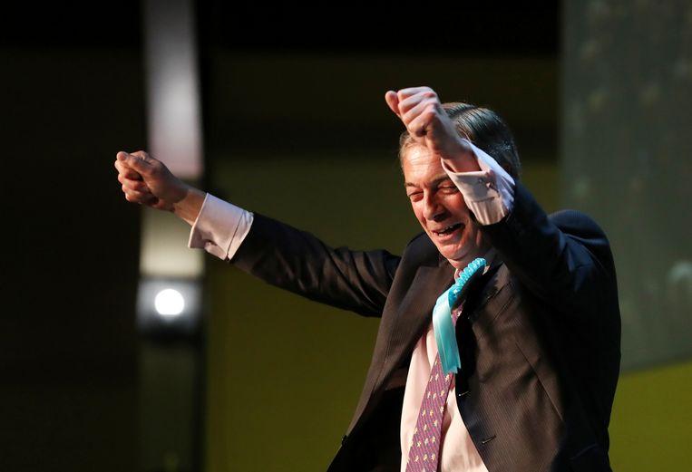 Nigel Farage maakt een grote kans de winnaar te worden van de Europese verkiezingen in het Verenigd Koninkrijk